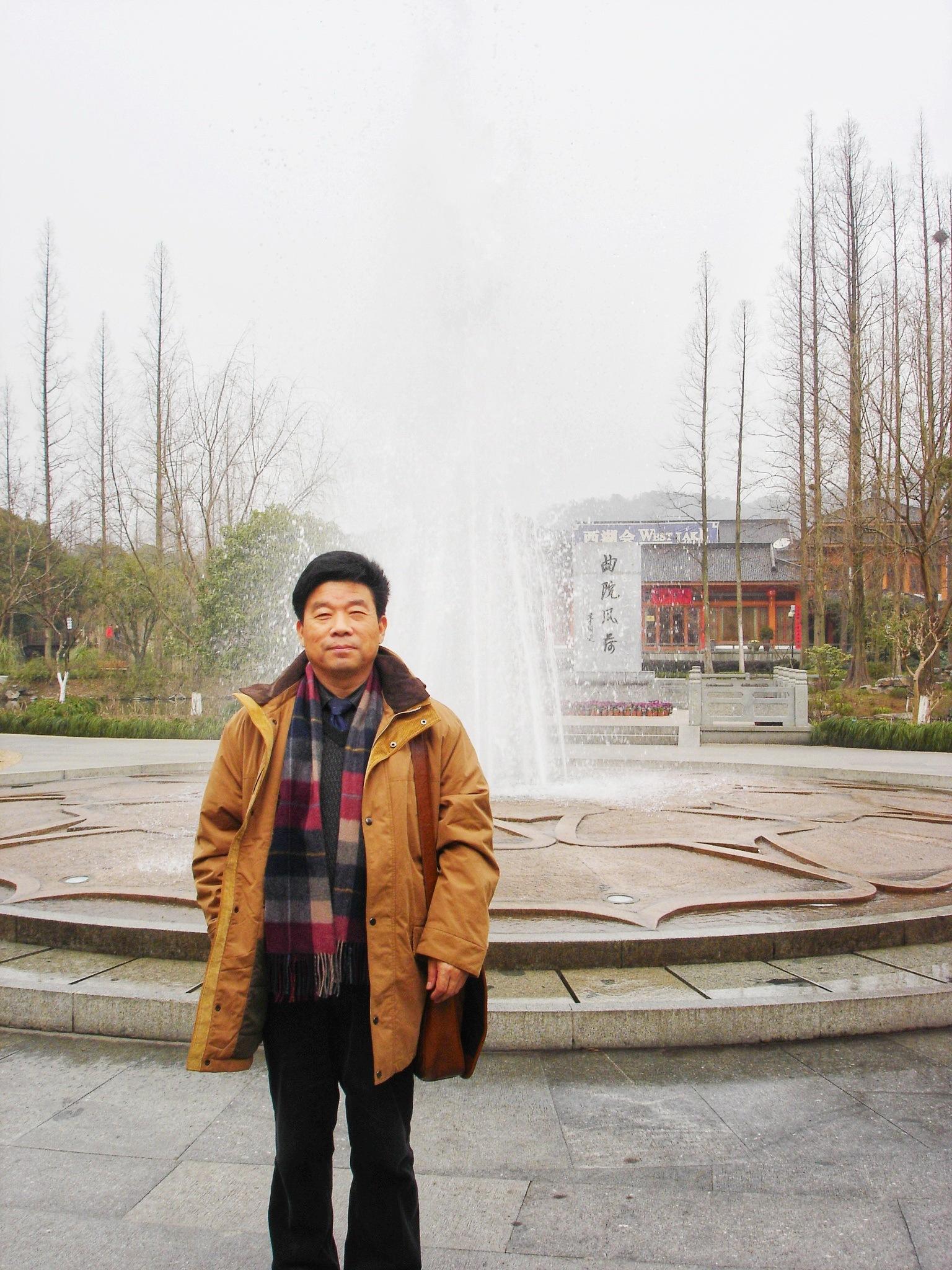 """传媒观察丨邵培仁:新闻传播学应回归""""人""""的"""
